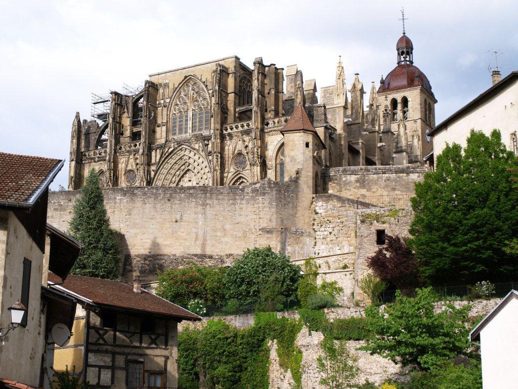Village m di val avec abbaye mus e auberges saint - Saint antoine l abbaye office de tourisme ...